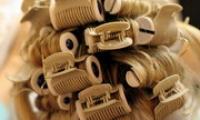 Как правильно накрутить волосы на бигуди — видео