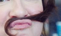 Как осветлить усики над верхней губой