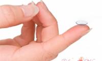 Как правильно одевать контактные линзы