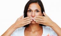 Как устранить неприятный запах изо рта