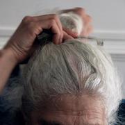 Как лучше окрасить седые волосы