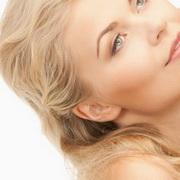 Как правильно осветлить волосы в домашних условиях