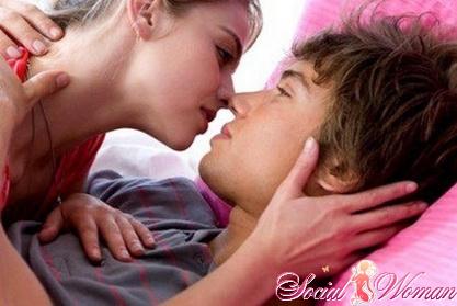 Как девушке научиться целоваться